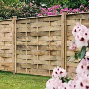 interwoven fence panel