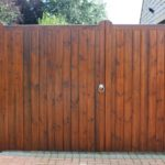 Flat topped wooden gates