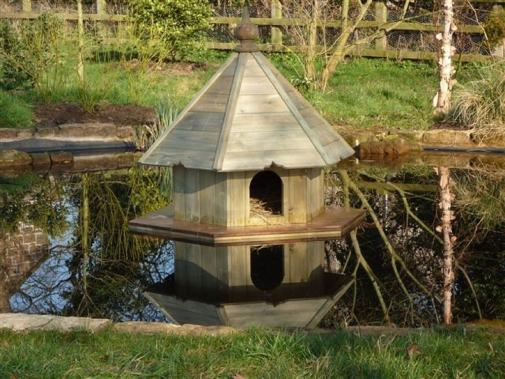 Wooden bespoke duck housess duncombe sawmill local and for House duck
