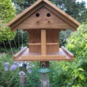 oak-bird-table-close-up-1-e1588926229180