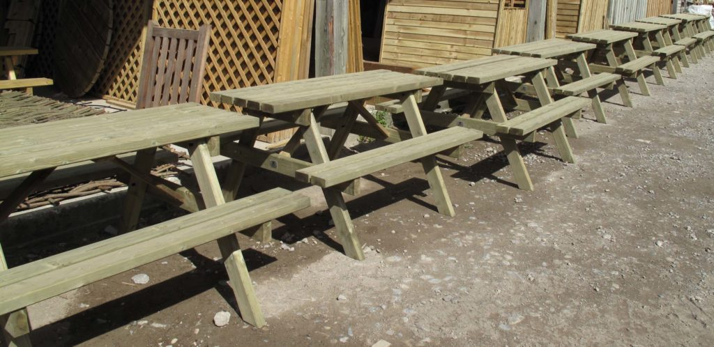 harlow carr picnic tables